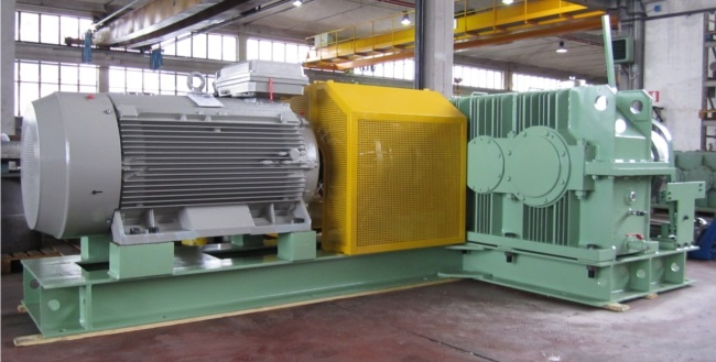 Hydraulic Conveyor Drive : Handling material g elli riduttori seites